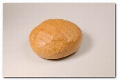 1241 Rond grijsbrood gesn.